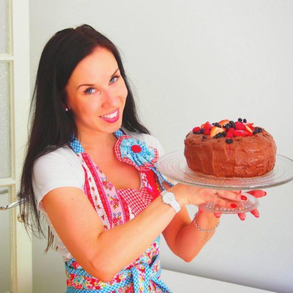 Kesäinen Helppo Suklaakakku