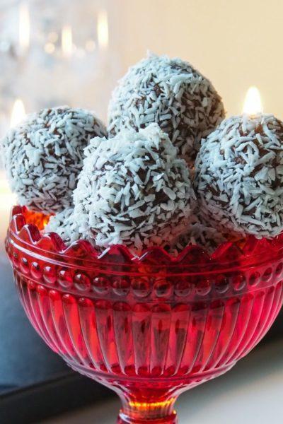 Kookos-Suklaapallot