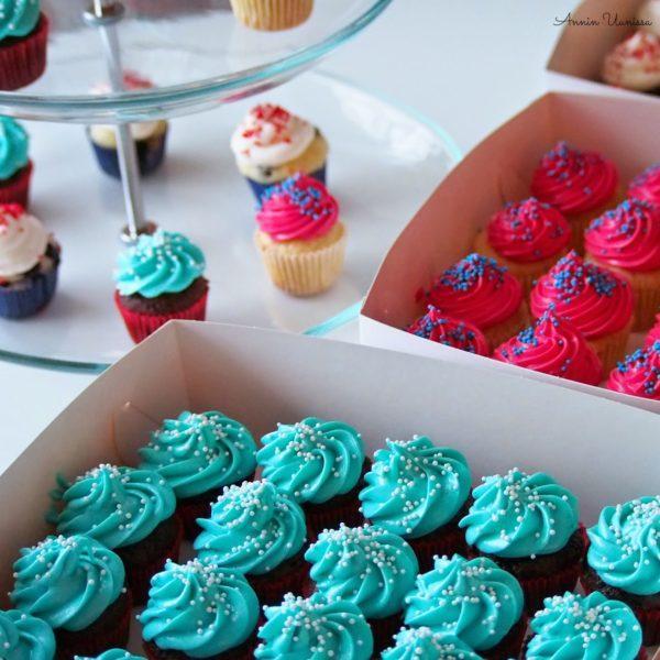 Vanilja Cupcakes ja DIY kakkuliput