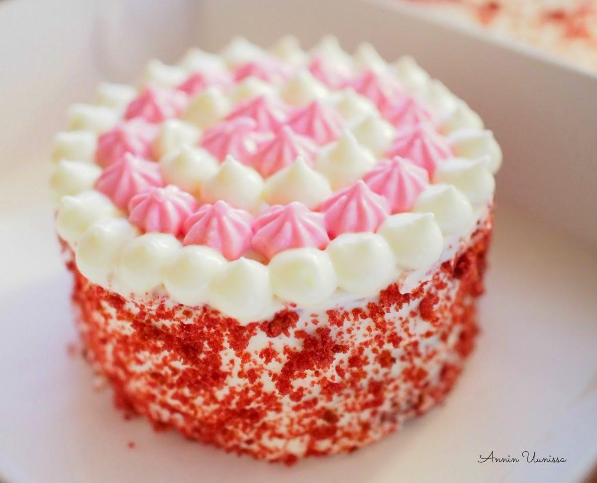 Pieniä Red Velvet Kakkuja
