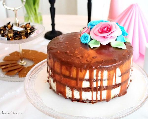 Kolmen Suklaan Suklaakakku