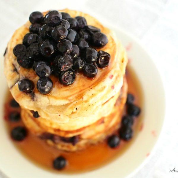Blueberry Pancakes - Amerikkalaiset mustikkapannukakut