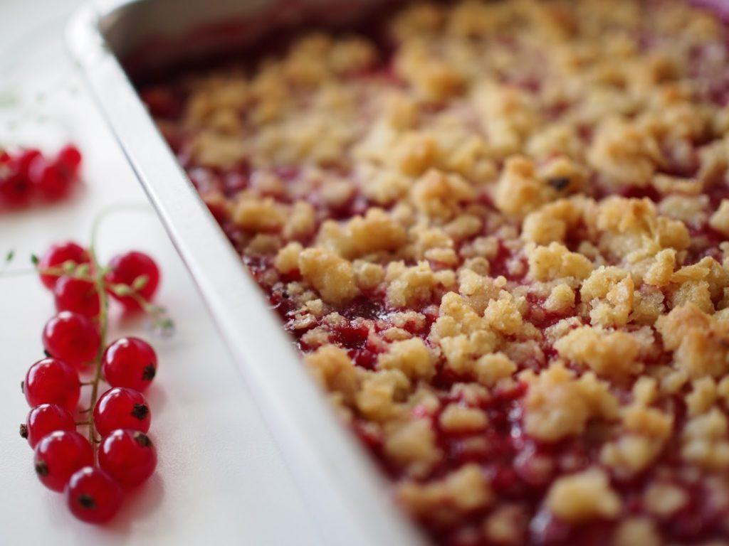 Punaherukkapaistos - Red Currant Crumble