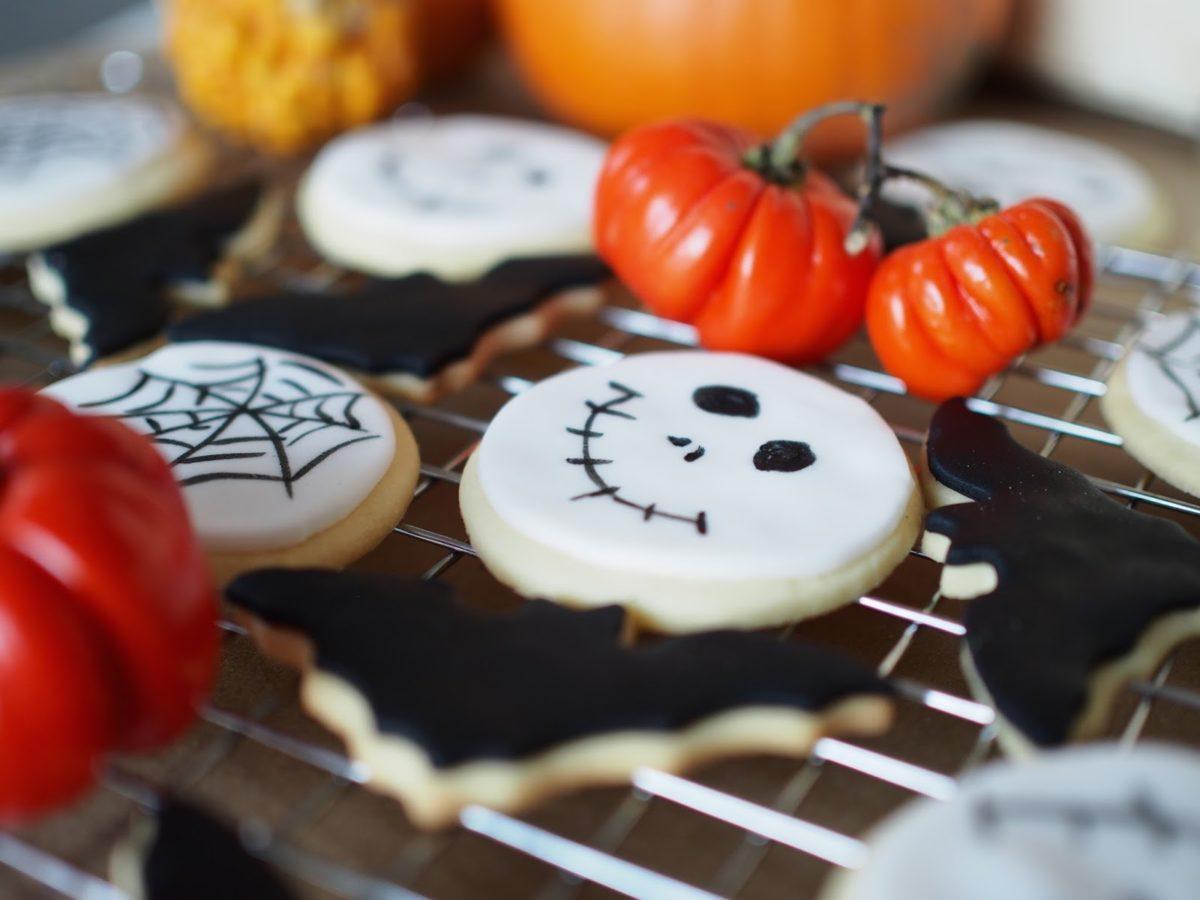 Halloween Lepakkokeksit & Pääkallokeksit