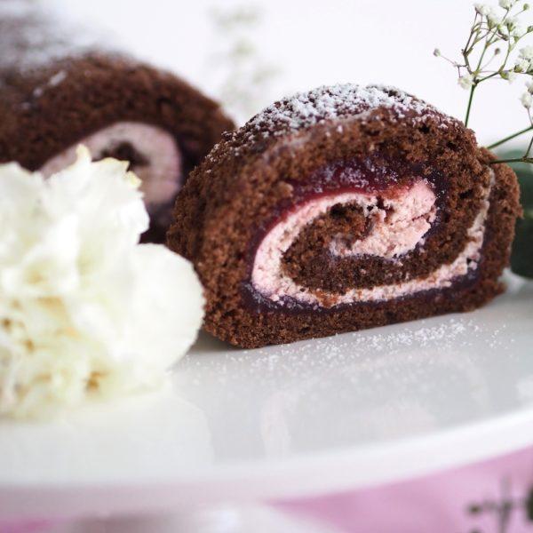 Helppo Ihana Suklaa-Kirsikkakääretorttu