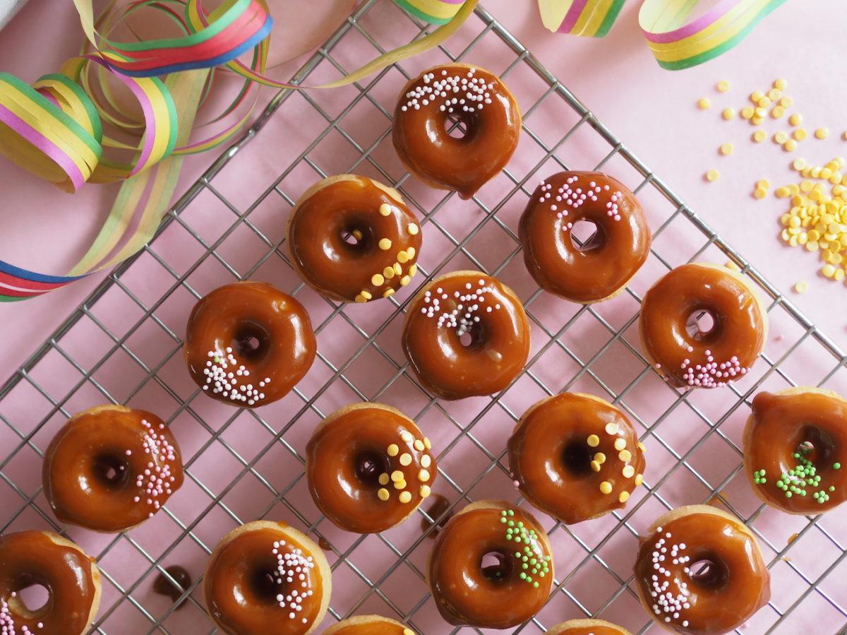 Salted Caramel Donitsit (Uunissa paistetut)