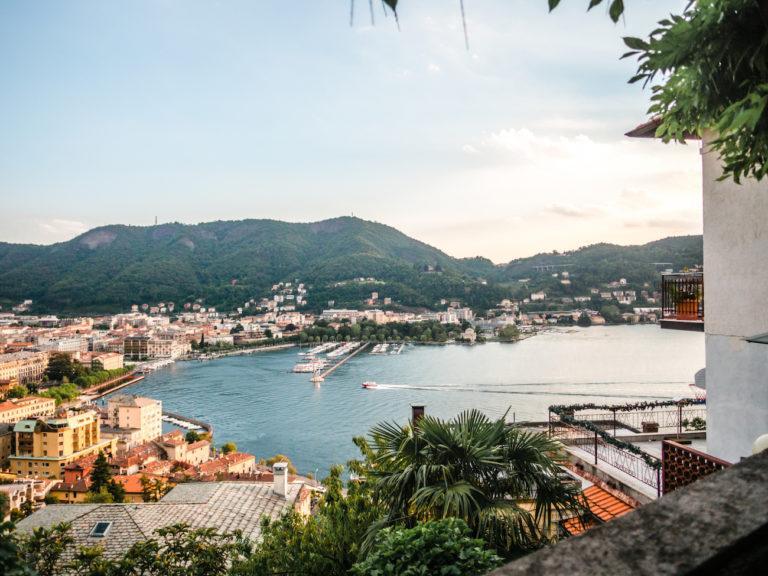 Comojärvi - Rakastu Italiaan (airbnb näköalalla)
