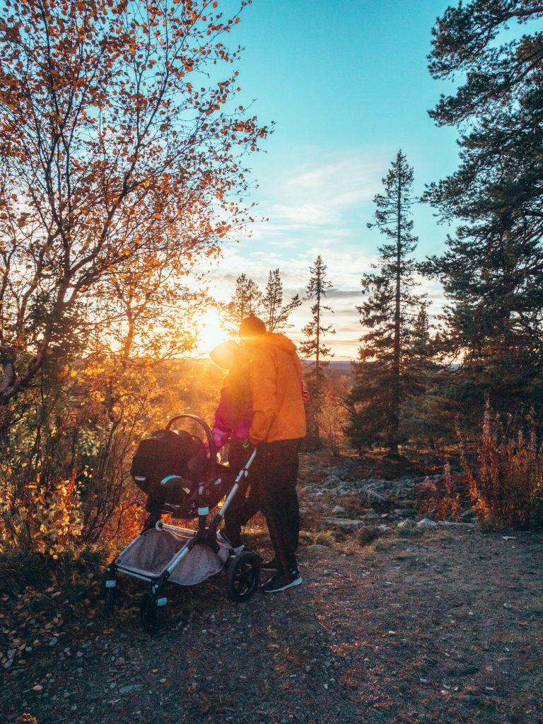 Lapin Ruska (yöjunalla vauvan kanssa)