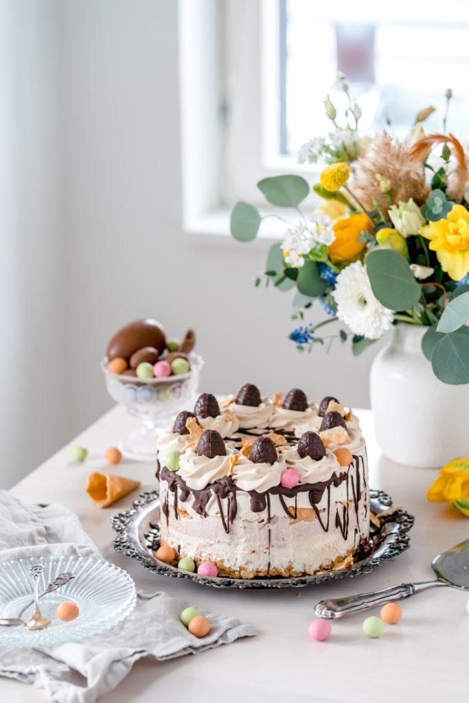 Kinuski-Suklaajäätelökakku (M)