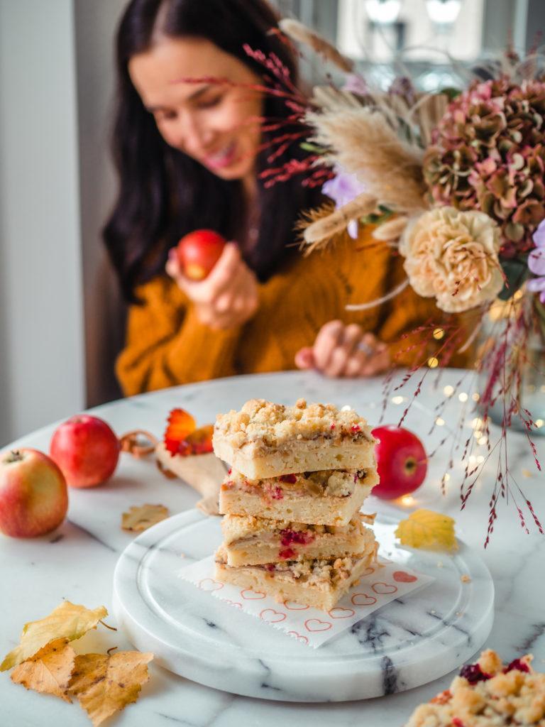 Helppo Juustokakku-Omenapiirakka (G)