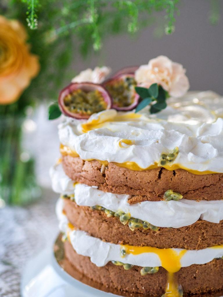 Pääsiäisen Mango-Passion Naked Cake (G)