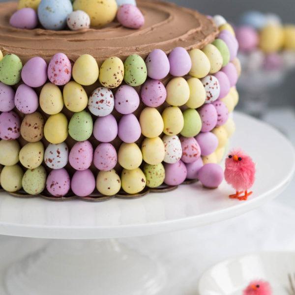 Pääsiäiskakku - Päärynä-suklaakakku