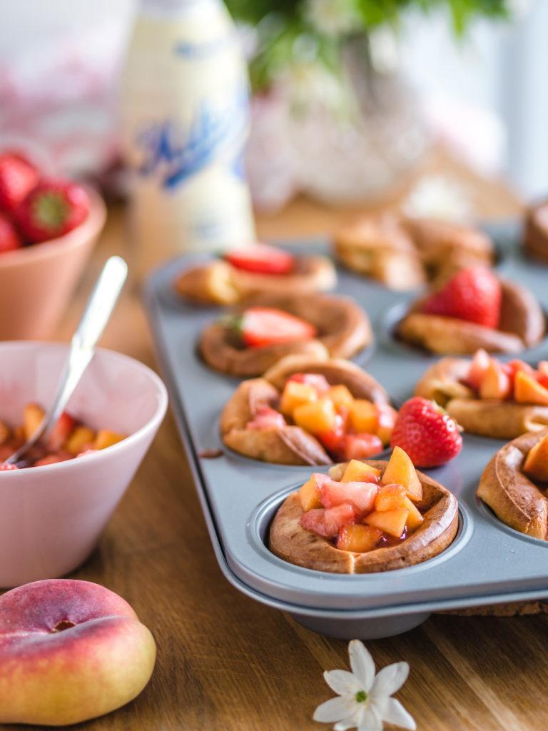Pannukakkumuffinssit & Mansikka-persikkasalsa