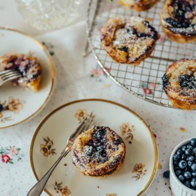 Pastéis de nata – Kermaleivokset mustikoilla