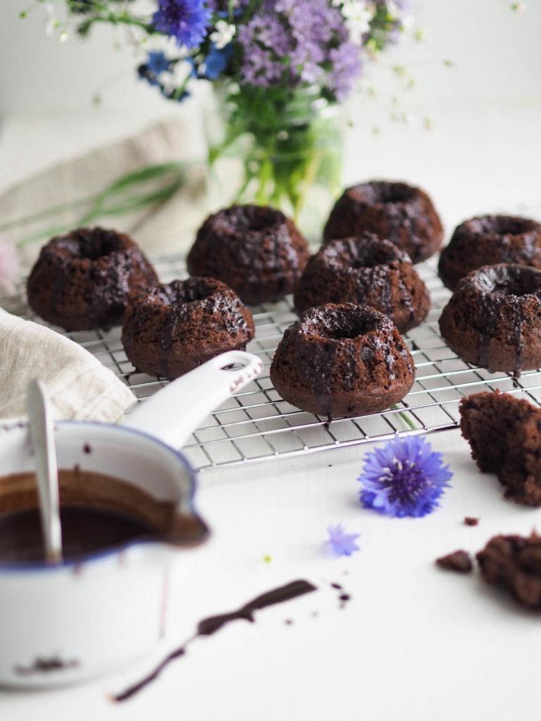 Gluteeniton Supersuklainen Suklaakakku (minikakut)