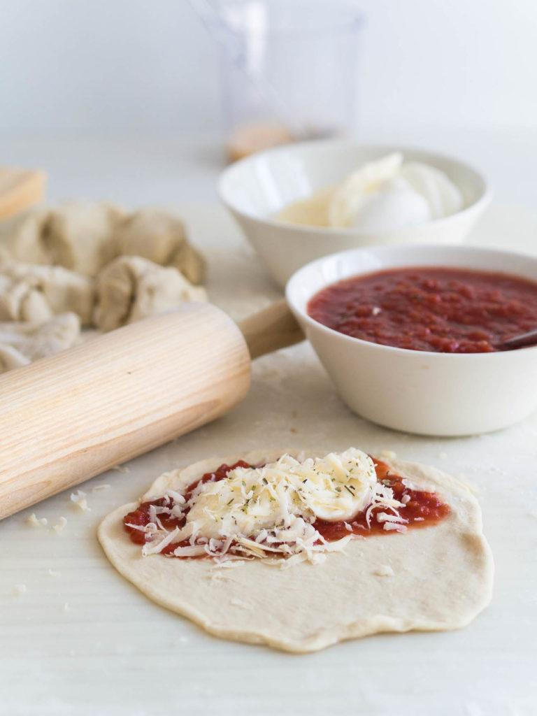 Tomaatti-Mozzarella Panzerotti