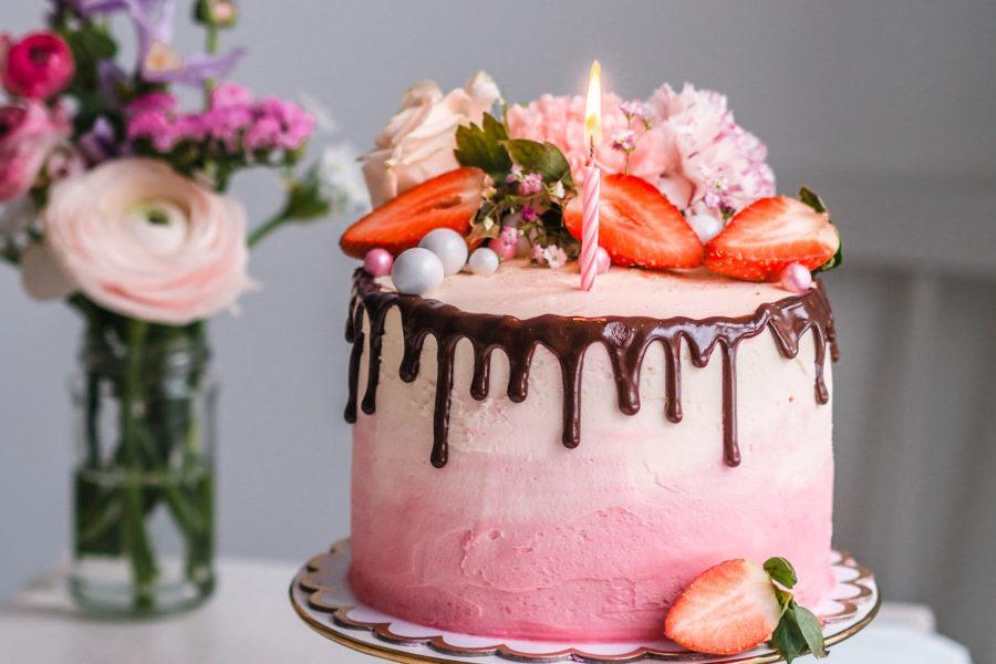 Syntymäpäiväkakku: Trio-Kakku
