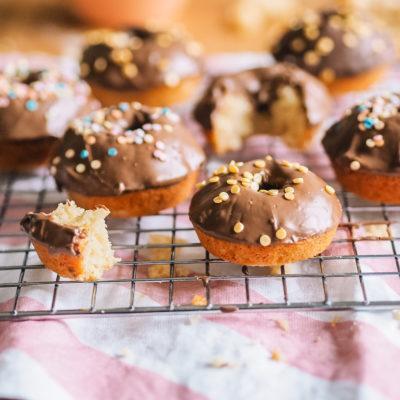 Uunidonitsit ilman donitsipeltiä