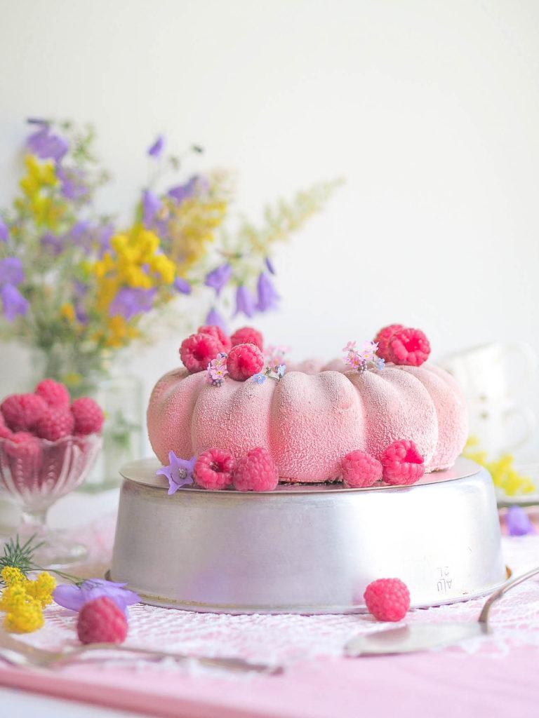10 vaaleanpunaista herkkua Äidille