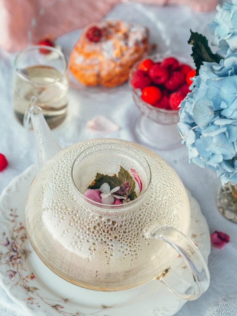Vadelmanlehtitee - Teetä puutarhasta