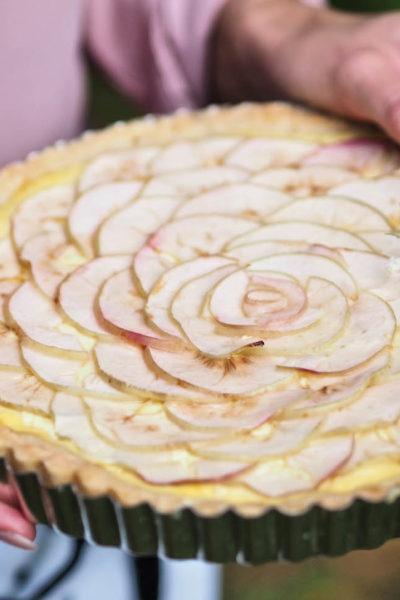 Kaunis Omenapiirakka Vaniljakreemillä